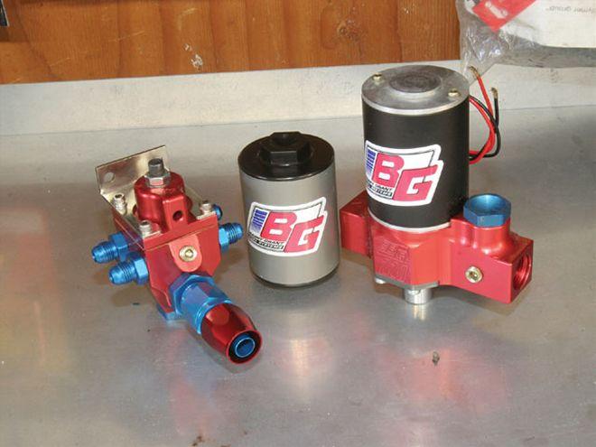 <p>Wann immer die Größe einer erforderlichen Benzinpumpe ermittelt werden muss, hilft es, die für den Motor entsprechende Fördermenge zu berechnen. Hier eine kleine Einführung wie man das berechnen kann.</p>
